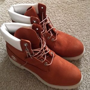 Brand New Men's Timberland Boots. Size 11.